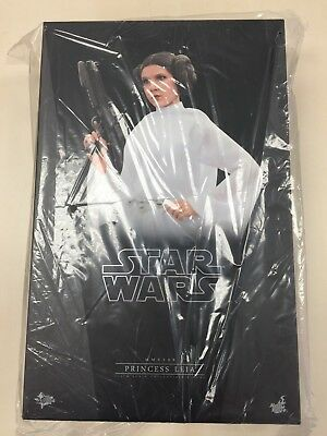 Hot Toys MMS 298 Star Wars New Hope Princess Leia Carrie Fisher (Normal Ver) NEW