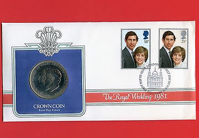 1981 Great Britain Royal Wedding 1 Crown Coin & Stamps In Folder