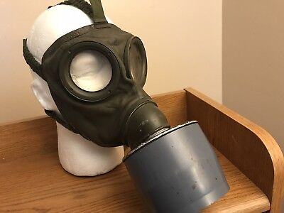 German GM-54 Gas Mask With Cannister
