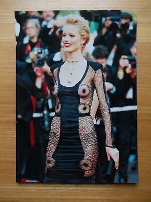 Photo Eva Herzigova  Festival De Cannes 2003