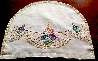 VINTAGE HAND EMBROIDERED Cream LINEN TEA COSY COVER