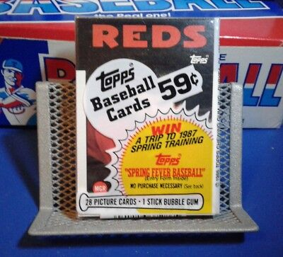 Topps 1986 Unopened Baseball Cello Pack - Pete Rose  - 28 Cards