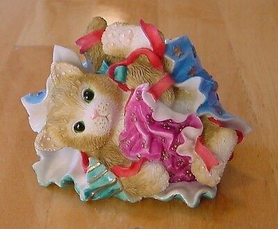 """CALICO KITTENS """"Kitty Wrapping"""" Cat Laying in Wrapping Paper Figurine Christmas"""