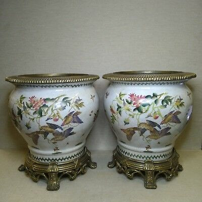Antique A pair of Chinese porcelain bowl with bronze, 20th century.There stamped