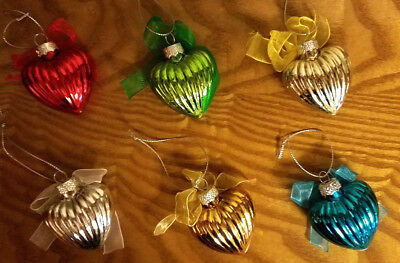 NEW in BOX SET of 6 HEART GLASS ORNAMENTS W/ BOWS Feather Tree Decor