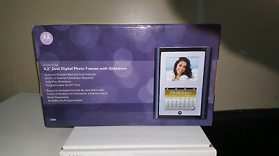 Motorola Dual Digital Photo Frame With Slideshow -  Ls420