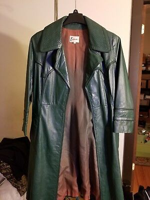 Womens Genuine Leather Vintage trench coat. Well kept preserved Hunter green