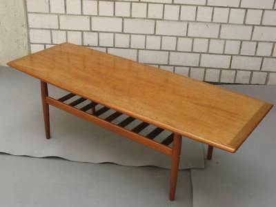 Design Couchtisch coffee table Grete Jalk Teakholz Denmark 50er Vintage