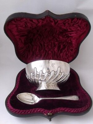 Antique Victorian Boxed Solid Sterling Silver Bowl & Spoon 1890/ Dia 10.6cm