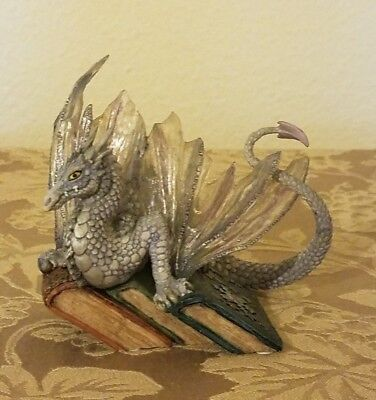 Dragonsite BOOK WYRMS WHITE FANG DRAGON STATUE FIGURINE ( RETIRED )