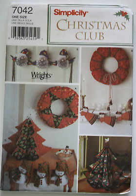 Sewing Pattern / Simplicity 7042 / Holiday Decorating / UNCUT, NEW / Christmas
