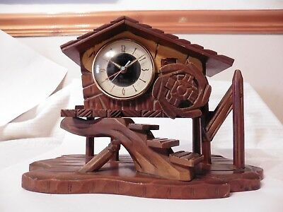 Vintage MEIKO TOKEI Mechanical wind-up MUSICAL CLOCK in the shape of a HOUSE