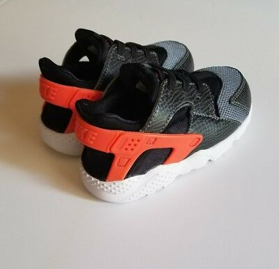 a68feb3bc194 NIKE TODDLER S TRAINER Huarache (TD) Shoes NEW AUTHENTIC Black Red ...