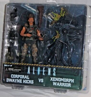 NECA Aliens CORPORAL DWAYNE HICKS XENOMORPH WARRIOR Deluxe 2 Pack Action Figure