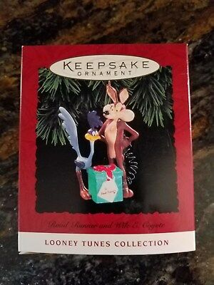 Hallmark Roadrunner Coyote 1994 Keepsake Ornament NIB Looney Tunes