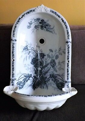 Fontaine murale en faience anglaise Johnson Brothers