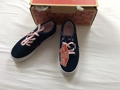 New Vans Off The Wall Girl Lace Up Suede Shoes UK2
