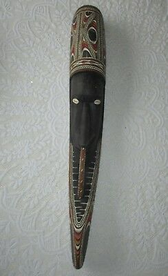 Papua New Guinea Vintage Wood Carving genuine and in good condition.