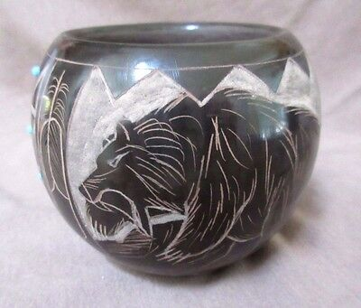 Santa Clara / Sioux Hand Coiled Pottery Incised Bear Pot by N Red Star P0028