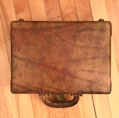 Beautiful Vintage Collectible 1900-1920 Tan Leather Antique Vanity Case with Key