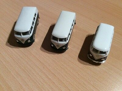 2x Welly, 8166, 58166, VW Bus T1 Samba, Modellauto, 1x Kinsmart Samba Bus, 1:64