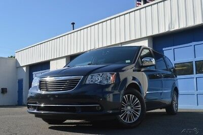 Chrysler Town & Country Touring-L Leather Interior Rear DVD Entertainment Rear View Cam Blind Spot Mntr Excellent