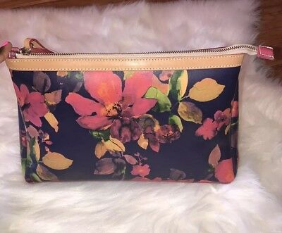Cavalcanti Collection Italy Leather Floral Large Wristlet Or Cosmetic Bag . 1d5f72845fdc5