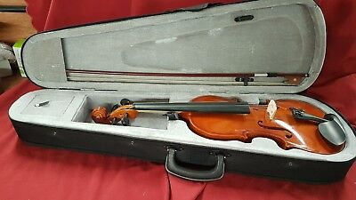 4/4 Size Violin with Bow and Case