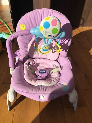 CHICCO BALLOON LOW CHAIR/ BOUNCER - VIBRATING purple