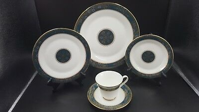 Royal Doulton Carlyle Five 5 Piece Place Setting Multiples Available  NEW UNUSED