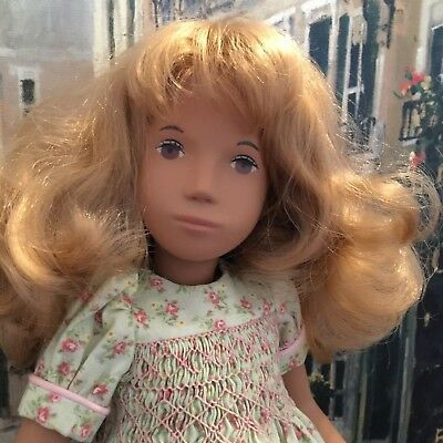 SASHA SERIE 17in DOLL   ENGLAND  BROWN CORD in LEGS