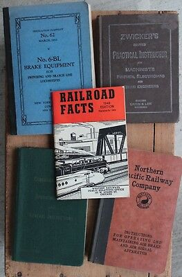 4 VIntage Railroad Books and 1 Booklet Zwickers, Northern Pacific, etc...