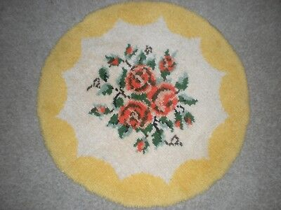 Vintage hand hooked rug sunny yellow floral round 34 inch