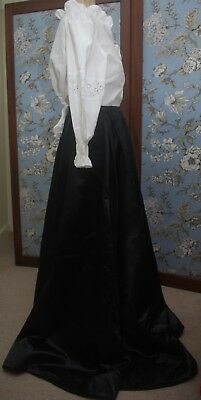 """SALE Beautiful Victorian French Silk Mourning Skirt Lined 42"""" Long 32"""" Waist"""