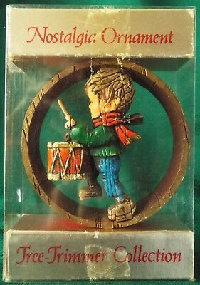 Hallmark 1975 Handpainted Nostalgia Collection Ring DRUMMER BOY Ornament in Box