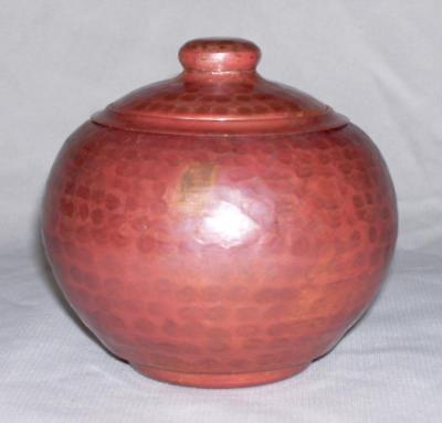 Beautiful Vintage Hand Made Round Solid Hammered Copper BOX w/LID ~ Mexico