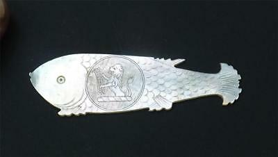 RARE ANTIQUE CHINESE MOTHER of PEARL FISH ARMORIAL GAMING COUNTER - GREY FAMILY