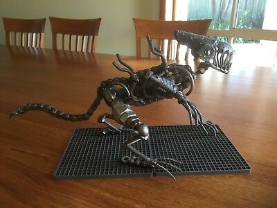 Alien Statue made of metal - Very Heavy