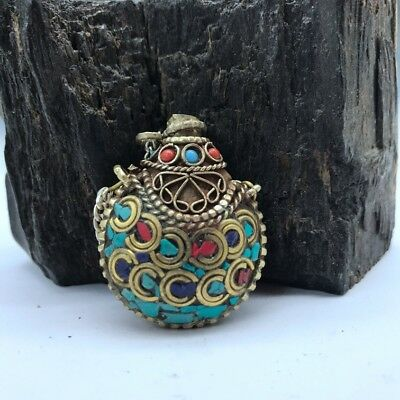 Chinese Ancient Hand Inlaid Red Stone And Turquoise Copper Snuff Bottle