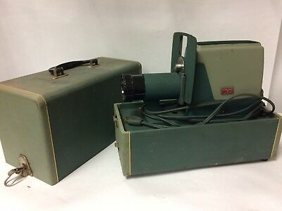 Argus 300 III Automatic Slide Changer Projector  35mm