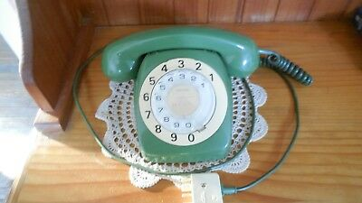 VINTAGE 1960s Green ROTARY DIAL TELEPHONE STC PMG 802 big numbers green cord
