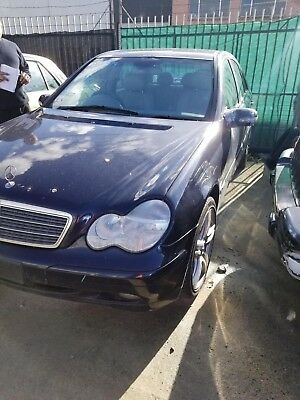 Car Mercedec Benz C200 Avantgaurd Kompressor 2000 Blue