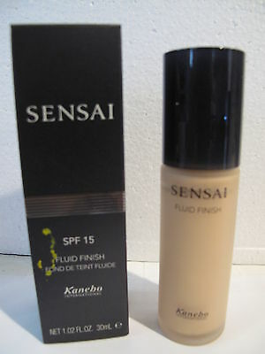 Sensai Fluid Finish SPF 15 - 30 ml - 202 soft beige.
