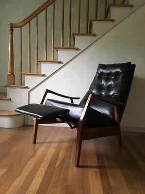 MILO BAUGHMAN James Incorporated Thayer Coggin Mid Century Black Recliner Chair