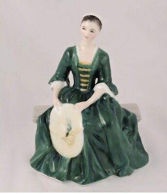 """Royal Doulton """"a Lady From Williamsburg""""  Figurine Hn 2228"""
