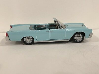 Franklin Mint 1961 Lincoln Continental Cars Of The Sixties  1:43 Scale