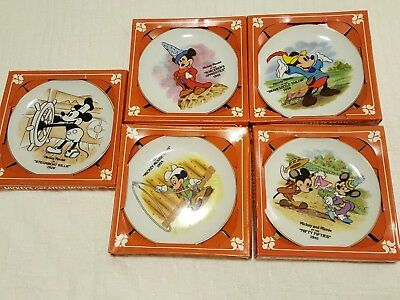 Mickey's Greatest Moments Collector's Plates Disney set of 5 Disneyland
