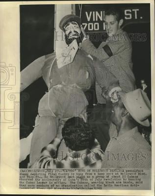 1961 Press Photo Fidel Castro hung in effigy in Hollywood by Anti-Castro Cubans.