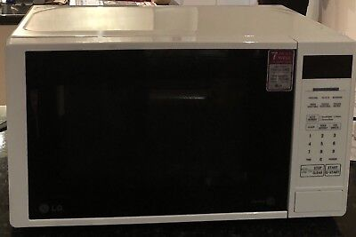 LG Microwave Oven MS2042D 700W 20 Litre