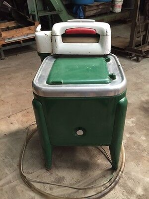 Vintage Maytag Wringer washing machine